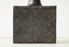 Bruno Gambone Black square ceramic vessel with stopper and contrasting etched design - 988112