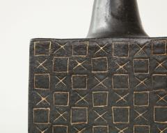 Bruno Gambone Black square ceramic vessel with stopper and contrasting etched design - 988113