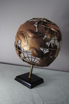 Brutalist Globe - 1195074