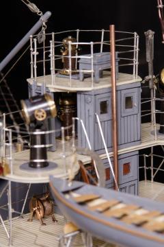 Builders Dockyard Model of the ACACIA Class Sloop H M S HONEYSUCKLE of 1915 - 542339
