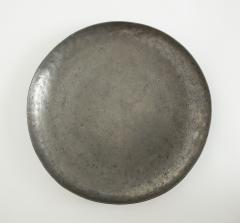 CAST PEWTER CHARGER - 1235114