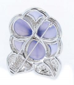 Carved Chalcedony Floral Brooch with Diamonds and Sapphires White Gold - 1861602