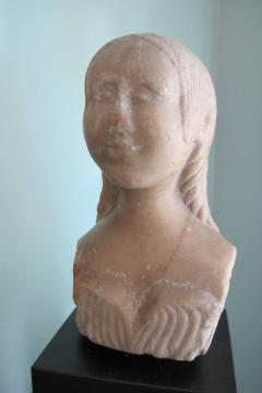 Carved Marble Bust of a Woman - 403748