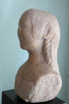 Carved Marble Bust of a Woman - 403752
