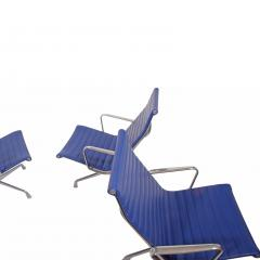 Charles Eames Four Aluminium Group Chairs by Charles Eames for Herman Miller sold individually - 1026967