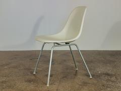 Charles Eames Vintage White Eames Shell Chairs - 752259