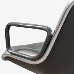 Charles Pollock Pollock Executive Chairs in Black Leather by Charles Pollock for Knoll - 1629921