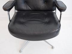 Charles Ray Eames Charles Ray Eames Black Leather Lobby Chair ES 108 - 1243023