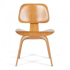 Charles Ray Eames Evans Rare 1940s DCW Molded Plywood Chairs By Charles And  Ray Eames