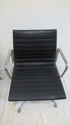 Charles Ray Eames Herman Miller Aluminum Group Management Chairs - 576552