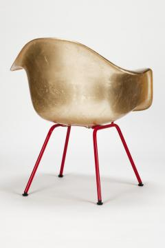 Charles Ray Eames Leaf gilded Eames Armchair - 1638701