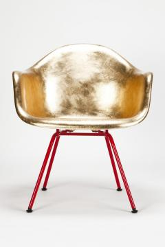Charles Ray Eames Leaf gilded Eames Armchair - 1638703