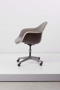 Charles Ray Eames Swivel Chair with Casters by Ray Charles Eames for Herman Miller US 1960s - 1257663