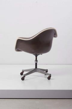 Charles Ray Eames Swivel Chair with Casters by Ray Charles Eames for Herman Miller US 1960s - 1257664
