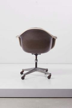 Charles Ray Eames Swivel Chair with Casters by Ray Charles Eames for Herman Miller US 1960s - 1257666