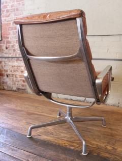 Charles Ray Eames Vintage Herman Miller Eames Aluminium Group Soft Pad  Lounge Chair   283977