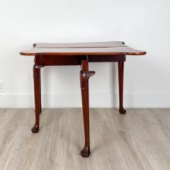 Circa 1770 Tri Top Mahogany English Table - 2029395