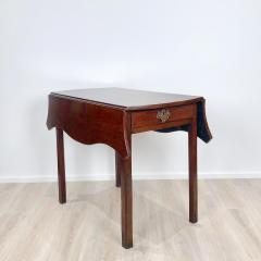 Circa 1780 Serpentine Pembroke Table England - 1882322