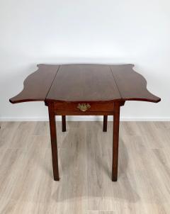 Circa 1780 Serpentine Pembroke Table England - 1882326
