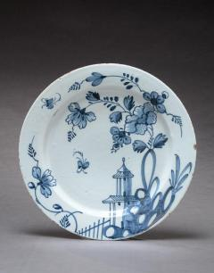 DELFT CHARGER DECORATED IN THE CHINESE TASTE - 1896415