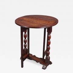 DIMINUTIVE 17TH CENTURY OAK GATELEG SIDE TABLE - 772862