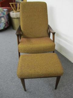 Danish Modern Scoop Arm Walnut Lounge Chair with Adjustable Ottoman - 1877307