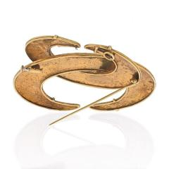 David Webb DAVID WEBB 18K YELLOW GOLD INTERLOCKING CRECENT HAMMERED BROOCH - 1941043