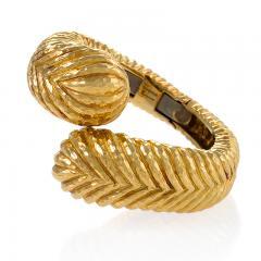 David Webb David Webb Gold Crossover Bracelet Cuff - 941418