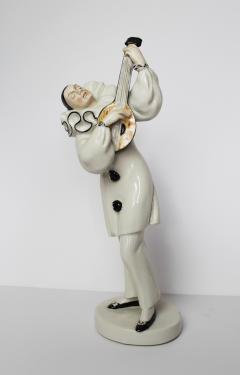 Dorothea Charol A Fine Figure of a Pierrot with Lute from Schwarzburger Werkstatten - 334860