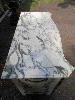 Dorothy Draper Stunning Dorothy Draper style Marble Top Chest Gilt Decoration - 1138801