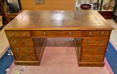 Double Pedestal Mahogany Desk 19th Century - 1779319