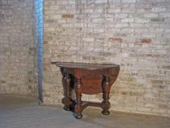 Dutch 18th century round Drop Leaf Table or Demilune Console - 627135