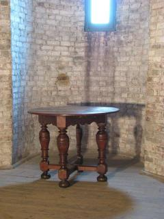 Dutch 18th century round Drop Leaf Table or Demilune Console - 627137