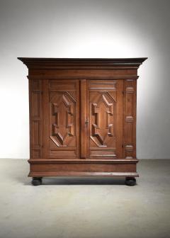 Dutch Renaissance oak cabinet 17th Century - 1490811