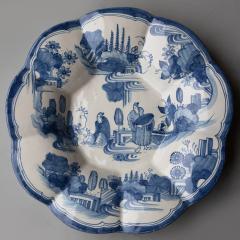 EARLY 18TH CENTURY CIRCULAR FAIENCE FRUIT DISH - 1791643