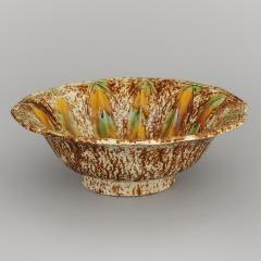 EXCEPTIONAL BENNINGTON DIAMOND PATTERN BOWL - 580718