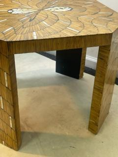 EXCEPTIONAL WOOD TABLE WITH INLAID MOTHER OF PEARL DESIGNS - 2123008