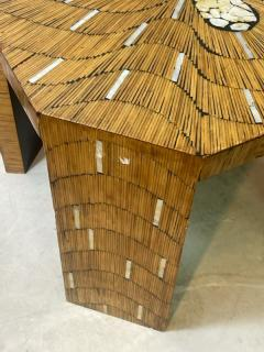 EXCEPTIONAL WOOD TABLE WITH INLAID MOTHER OF PEARL DESIGNS - 2123042