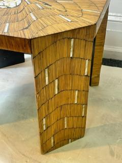 EXCEPTIONAL WOOD TABLE WITH INLAID MOTHER OF PEARL DESIGNS - 2123043