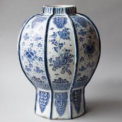 EXCEPTIONALLY LARGE 18th CENTURY DELFT VASE - 1834791