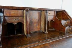 Early 18th Century English Walnut Veneered Stepped Interior Georgian Bureau Desk - 2057739