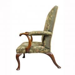 Early 18th Century Queen Anne Walnut and Needlepoint Upholstered Armchair - 1532248