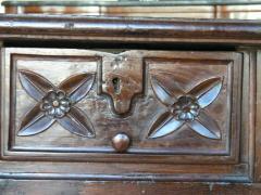 Early 18th Century Walnut Baroque Table - 442485