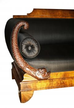 Early 19th Century German Burl Walnut Biedermeier Sofa in Black Horsehair Fabric - 804290