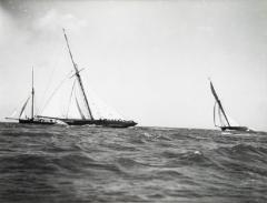 Early silver gelatin photo print by Beken of Cowes Yacht Maid Marion - 815846