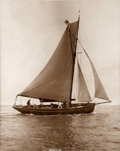 Early silver gelatin photo print by Beken of Cowes Yacht Senorita - 897983