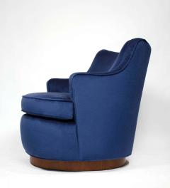Edward Wormley Pair of Edward Wormley Swivel Chairs for Dunbar in Blue Velvet - 1463228
