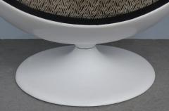 Eero Aarnio Mid Century Modern Fiberglass Ball Chair Attributed to Eero Aarnio circa 1965 - 1000592