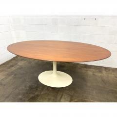 Eero Saarinen Eero Saarinen for Knoll Walnut Oval Dining Table - 1719730