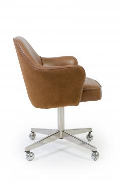 Eero Saarinen Knoll Desk Chair In Contrasting Saddle Leather Suede   243183